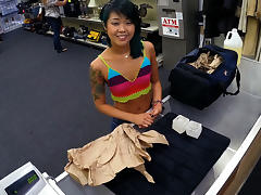 Petite asian chick walks in and sells her stuff and tight pussy