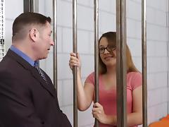 Nerdy babe is penetrated in the missionary way in the prison