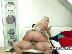 Blonde slut Britney Amber fucks and gets a big facial