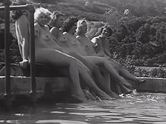 Nudist Teens Have a Good Time 1930