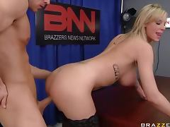 Anchorman Fucks The Busty Blonde Weather Whore Brooke Banner