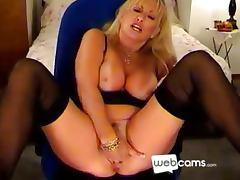 Hot Blonde Cougar Masturbates on her Cam