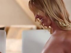 Blonde gets licked and creampied