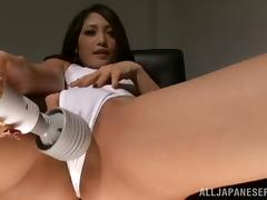 Naughty Japanese chick in a swimsuit makes herself cum
