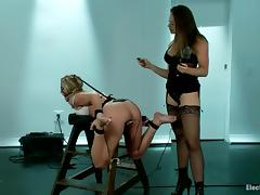 Chanel Preston ties up Simone Sonay and toys her pussy