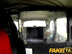 FakeTaxi: Look at the mess u've made Mr Taxi Driver