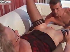 Nasty mature slut gets her cunt licked