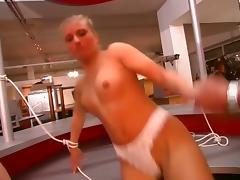Blonde prisonner