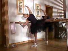 Aleska Diamond fingers her pussy in a ballet class