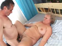 Tasty Granny Goes Hardcore With A Dirty Fellow Over A Bed