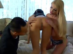 Big-breasted bombshells Taylor Wane and Jessica Jaymes share a cock